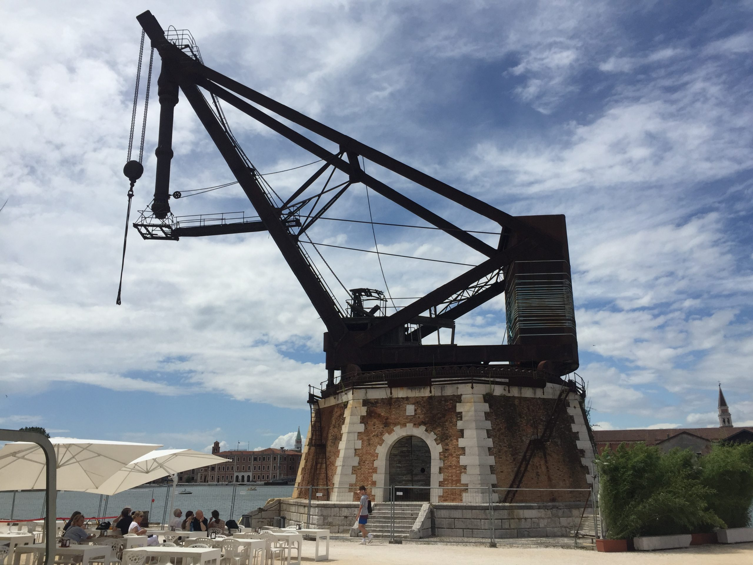 the crane by Armstrong-Mitchell in the Venice shipyard