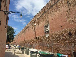 The wall of the Arsenale facing Campo de le Gorne
